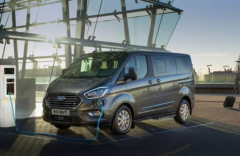 New Ford Tourneo Custom Plug In Phev For Sale Think Ford