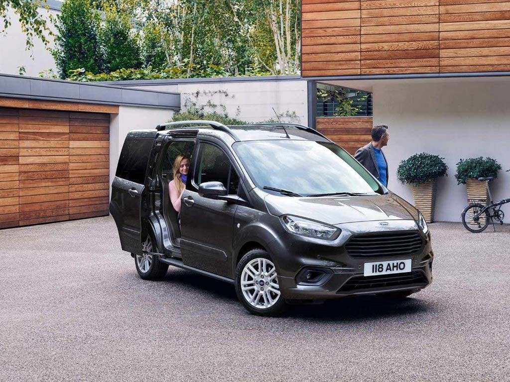 new ford tourneo courier new pentagon ford. Black Bedroom Furniture Sets. Home Design Ideas